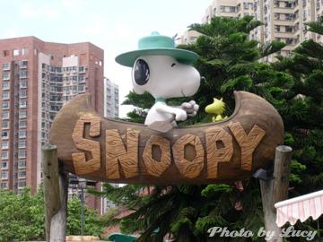 滑獨木舟的Snoopy