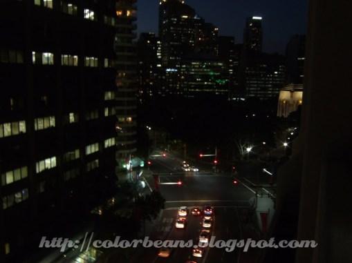 從陽台拍出去的夜景,照片偏右上方沒建築物的地方就是海德公園(Hyde Park)
