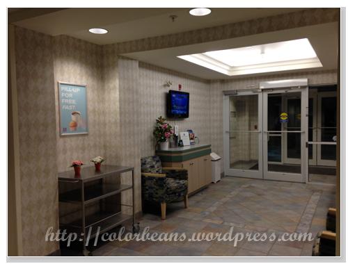 Motel 6的lobby不大,但很乾淨
