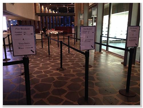 有預訂網路票的排隊入口,一早來,免排隊