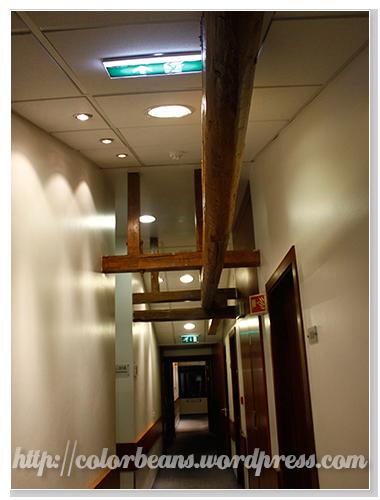 房間外走廊的感覺