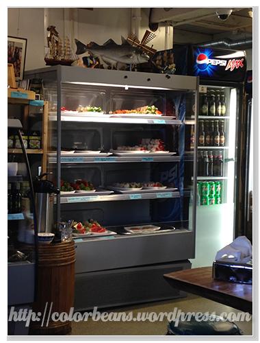 冰櫃裡有串燒和飲料等可以點