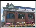 看到滿滿的人潮就知道St. Lawrence Market到摟